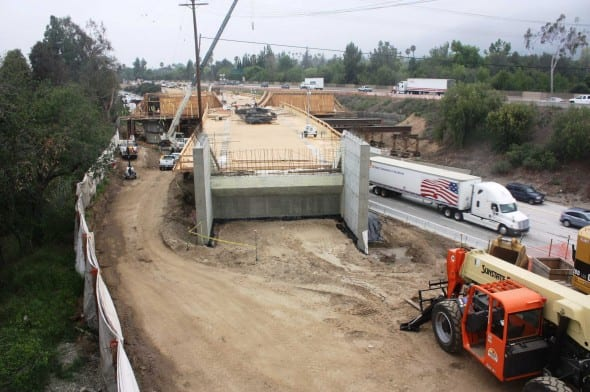 Autopista 210 lista para última fase de construcción del puente.