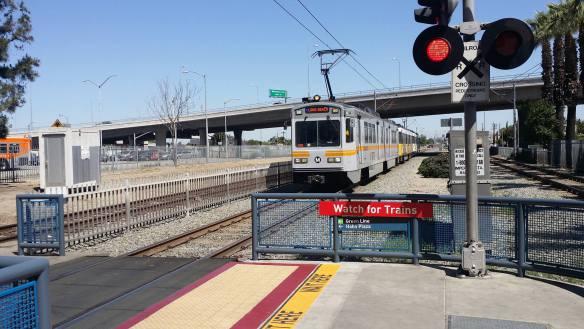 Tren de la Línea Azul en la estación Willowbrook. Foto: Jon Ross Alexander/Metro.